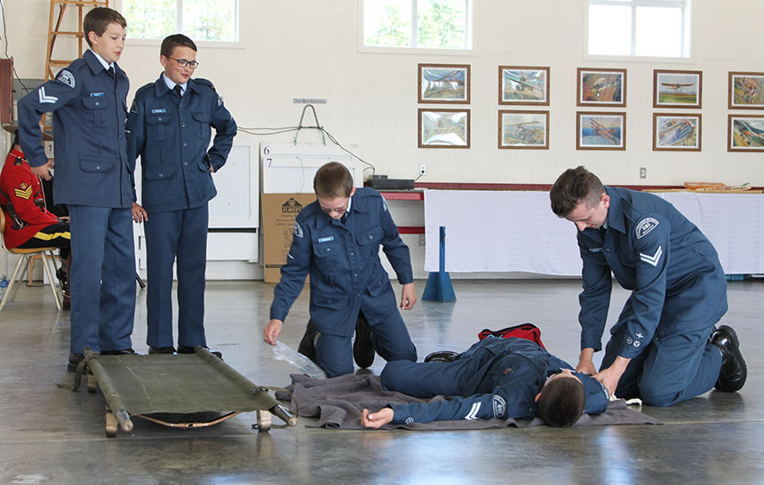 09-893-beaufort-squadron-first-aid