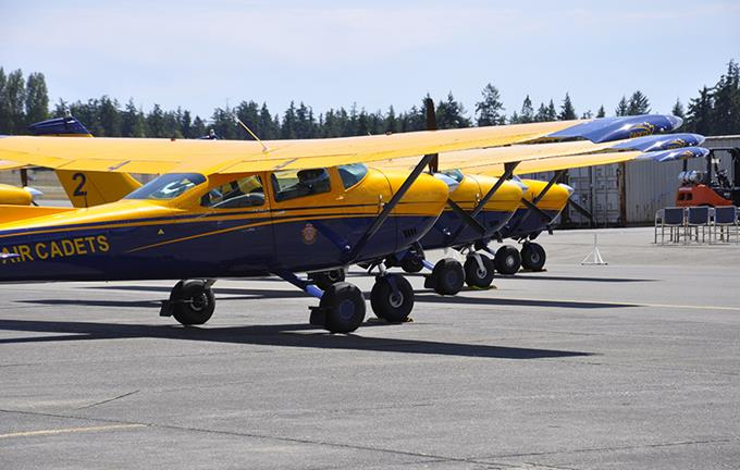 hp2-20-bcpc-tow-planes-lined-up